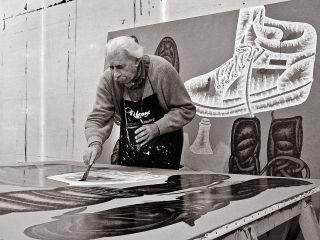 Il pittore Concetto Pozzati, studio di via Zamboni, Bologna